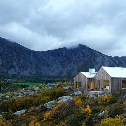 풍경을 자연액자로 담은 편안한분위기 주택
