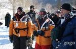 "몽골여행 ""독수리 축제 2010"" 한창"" Бүргэдийн баяр - 2010"" Нүхтийн аманд үргэлжилж байна"