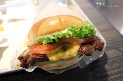 도쿄에서 맛보는 쉑쉑버거(SHAKE SHACK) ::아트레 에비스점