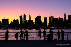 뉴욕 야경, 뉴욕 맨하탄 야경을 즐길 수 있는 롱아일랜드 시티의 공원 (갠트리 플라자 주립공원 & 헌터즈 포인트 사우스 공원)
