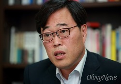 승부수 던진 청와대, '김기식 구하기'는 성공할 수 있을까?