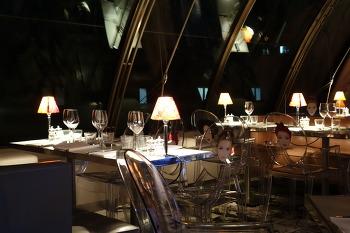파리 여행의 피날레를 화려하게 해준 레스토랑, 콩 (Kong)