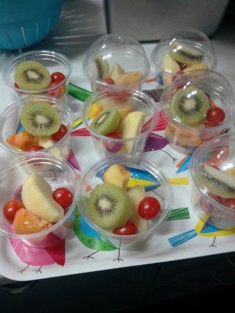 게스트하우스 '잔치집'의 아침식사, 아침엔 과일이죠!