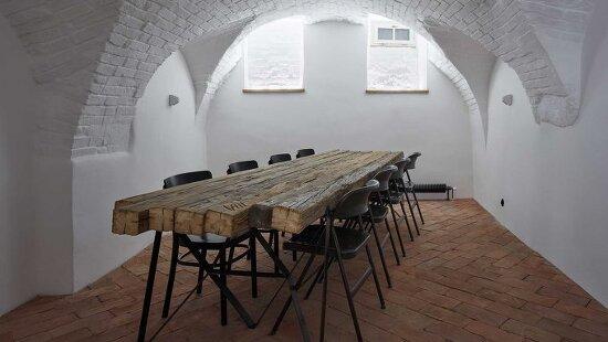 *16세기 건물을 개조한 게스트하우스-[ ORA ] The Štajnhaus Guesthouse Restorarion