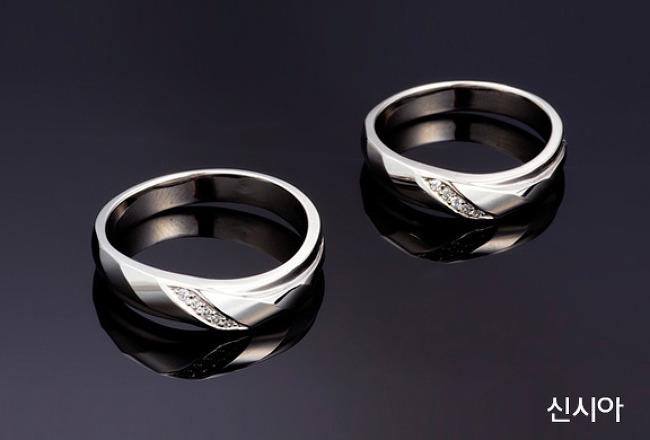 다이아몬드 전문 브랜드 바니찌에서 결혼예물 커플링 고르는 방법