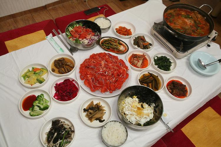 제천 청풍호 맛집 음식 쏘빠메 매운탕 이란