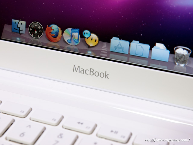 MacBook 로고