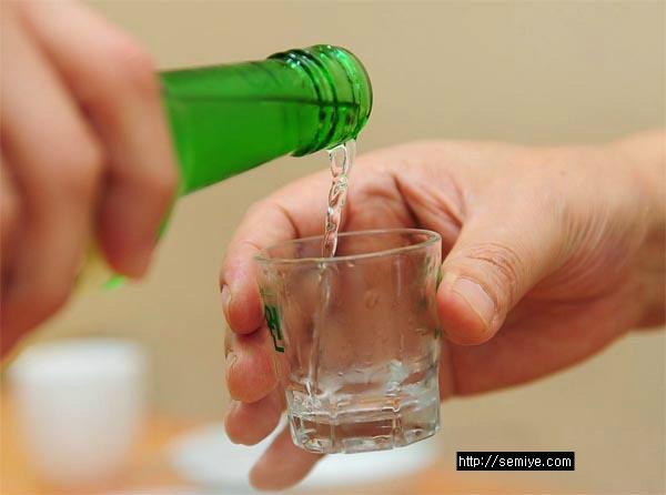 beer-alchol-brain-만성알코올-술독-음주-음주문화-음주운전-술-맥주-소주-양주-폭탄주-건배사-술문화-회식-술자리-술독-해독-술꾼-술집-술자리여자