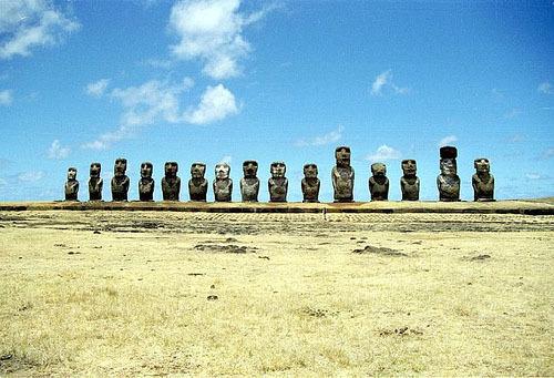 세기의 미스테리:이스트 섬의 석상,누구의 작품인가??