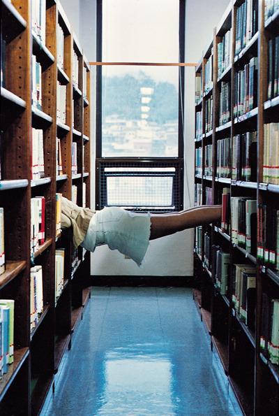 장윤주, 도서관 이용법, 미술작품