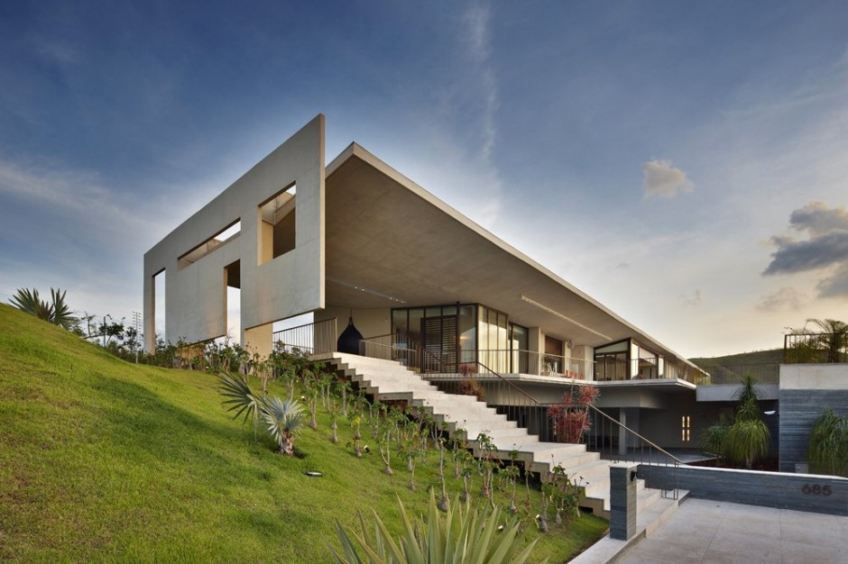 Humberto hermeto je house 5osa for Local builders house plans