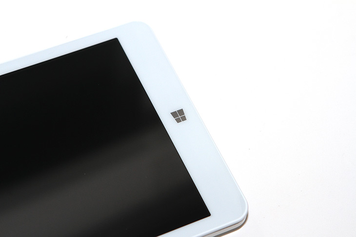 8인치, 태블릿, 보토코리아 ,브이패드 ,태블릿PC ,리뷰,IT,IT 제품리뷰,모바일,두가지 운영체제를 넣은 제품인데요. 그리고 쓸만한 프로세서가 들어갑니다. 8인치 태블릿 보토코리아 브이패드 태블릿PC 리뷰를 시작해봅니다. 이 제품은 인텔 체리트레일 Z8300이 들어가고 로컬메모리가 4GB나 됩니다. 재원만 놓고보면 꽤 쓸만합니다. 이전보다는요. 8인치 태블릿 보토코리아 브이패드를 써보기 전에 이전 세대의 제품도 제가 써본적이 있는데요. 그때는 메모리 용량이 2GB로 좀 많이 부족했었습니다. 메모리가 항상 발목을 잡았었죠.
