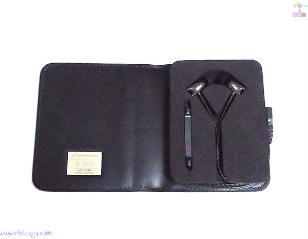 Sennheiser_IE 800 In-Ear Headphones-case