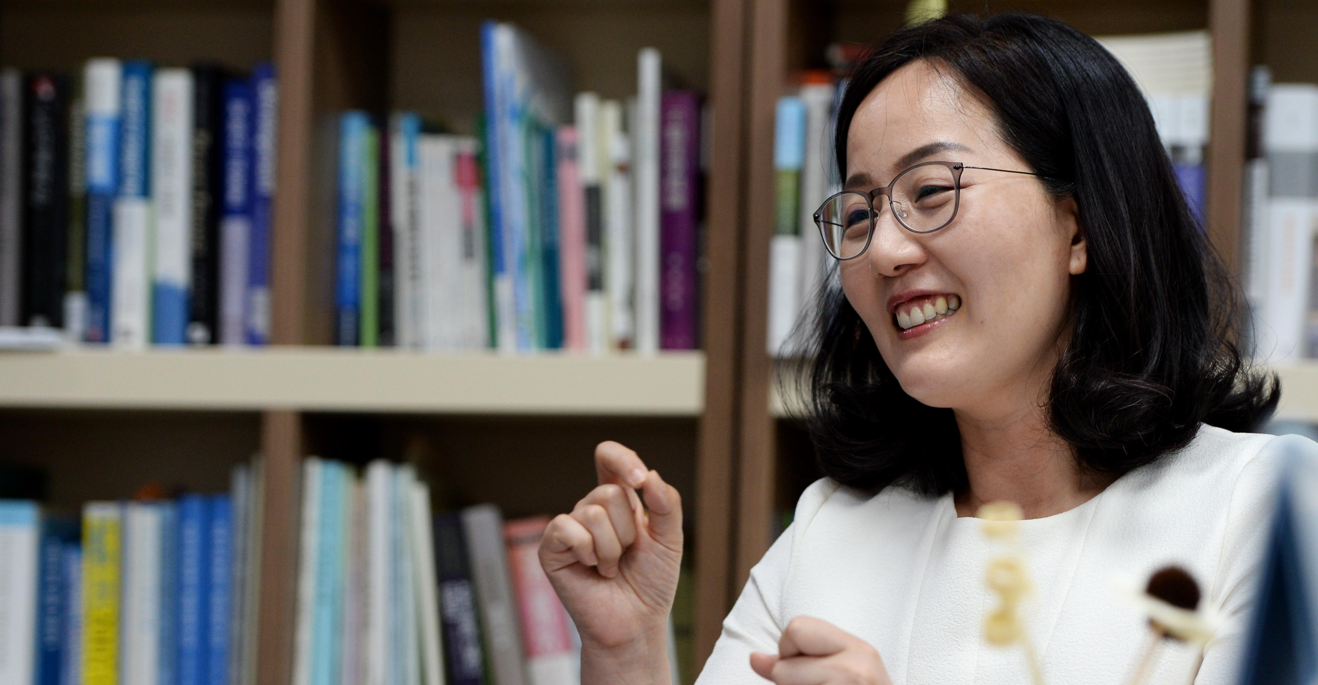 """[서의동의 사람·사이-김현아][전문]""""정치 잘 모르니…소신보다는 상식으로 행동"""""""