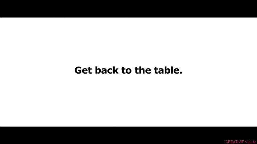 식사시간에 빠진 사람들의 최후! - 식탁에서 이뤄지는 중요한 결정들에 빠지지 말라, 이케아(IKEA) TV 광고, 자연주의자 누드캠프, 룸메이트 군터, 여름 난민캠프편 시리즈 [한글자막]