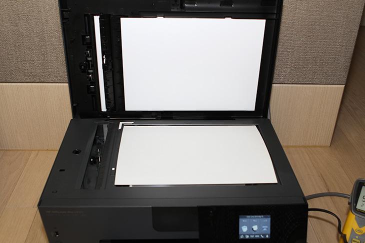 사무용, 프린터, HP 오피스젯 프로 6830 ,e-복합기, 활용성,IT,IT 제품리뷰,잉크젯 프린터가 레이저프린터보다 빠르게 성장하고 있다고 하죠. 저렴한 유지비용 그리고 성능도 괜찮아서 인데요. 사무용 프린터 HP 오피스젯 프로 6830 e-복합기 활용성을 이 시간에 알아보려고 합니다. 요즘 프린터는 대부분 네트워크로 연결이 가능 합니다. 이 기능도 과거에는 고가의 장비에만 들어갔지만 이제는 일반적이 되었죠. 무선으로 연결은 무척 편리합니다. 사무용 프린터 HP 오피스젯 프로 6830 e-복합기는 전원이 연결되는 곳 어디든 설치해서 사용이 가능 합니다. 그리고 스마트폰을 이용한 활용도 가능 합니다.