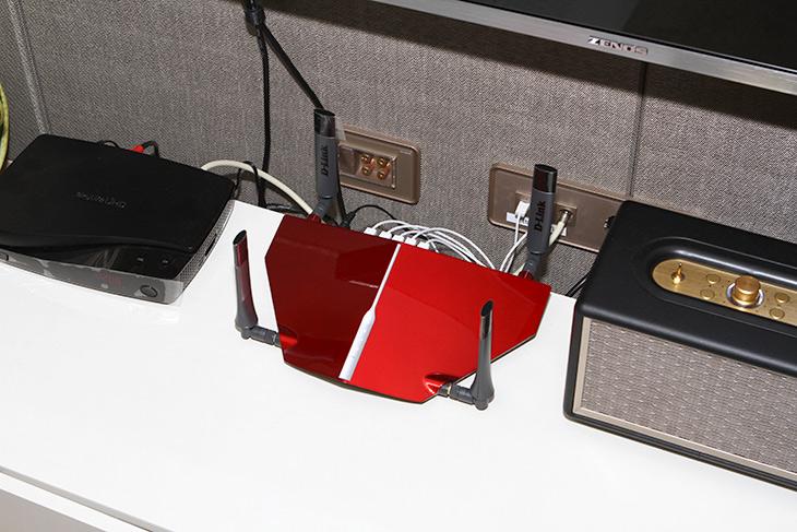 디링크 무선랜, DWA-192, AC1900 ,USB 3.0 ,무선랜카드, 성능,IT,IT 제품리뷰,직접 사용해봐야 알게 되는게 많습니다. 이번 경우도 그렇긴 하네요. 디링크 무선랜 DWA-192 AC1900 USB 3.0 무선랜카드 성능을 검증해보려고 합니다. 가정에서 사용하는 가장 빠른 1Gbps 회선을 사용 중 인데요. 무선성능도 그래서 중요하죠. 디링크 무선랜 DWA-192은 AC1900을 지원해서 상당히 고성능의 무선 속도를 지원을 합니다. 제가 궁금했던 부분은 5GHz로 연결시 얼마나 속도가 나오는가 하는 부분 이었습니다.