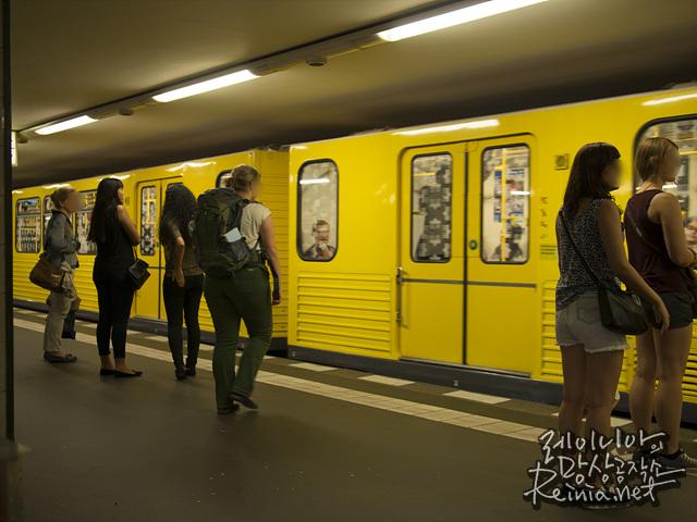 노란색 지하철