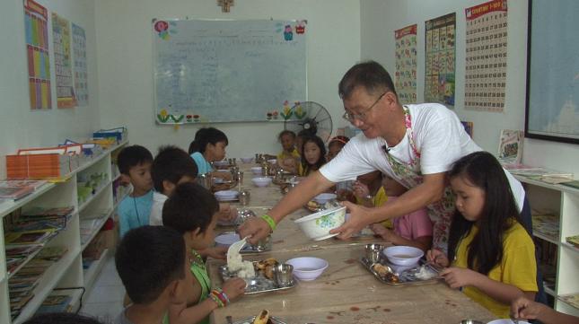 필리핀 민들레 국수집과 서영남 대표