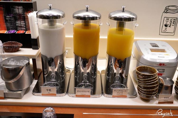 고치 리치몬드 호텔 아침 음료수