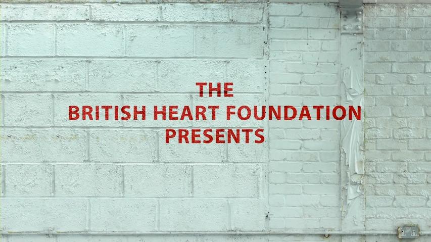갱스터 전문배우 비니존스(Vinnie Jones)이 알려주는 심폐소생술(CPR) 응급처치 - 영국심장재단(British Heart Foundation)의 바이럴 영상(Viral Video) [한글자막]
