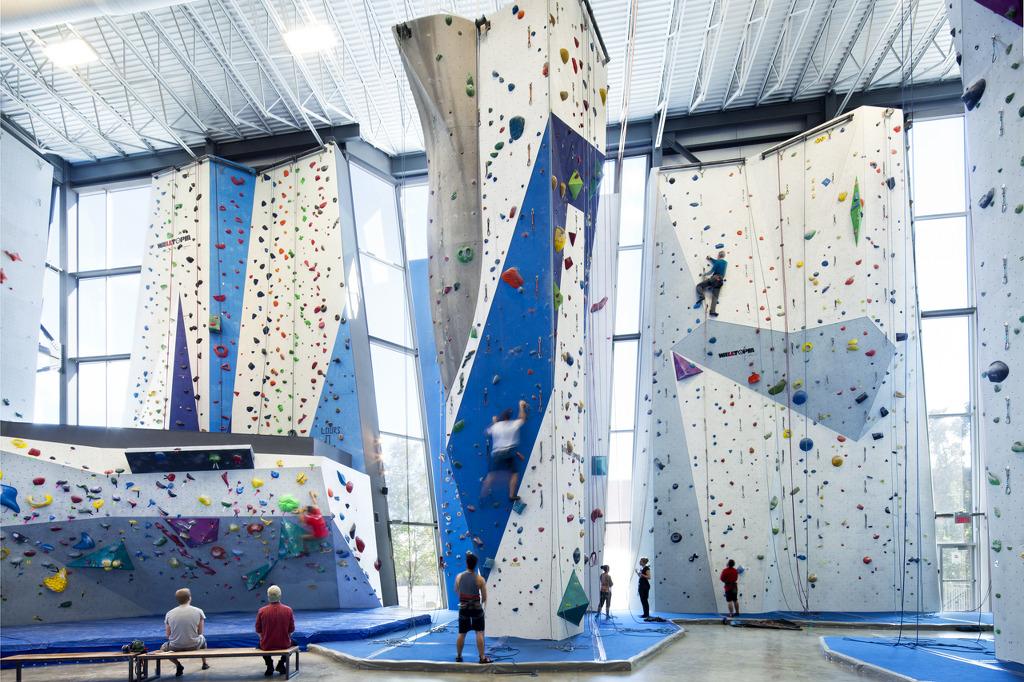 *인도어 클라이밍 센터 [ Smith Vigeant Architects ] Centre d'escalade Allez ...