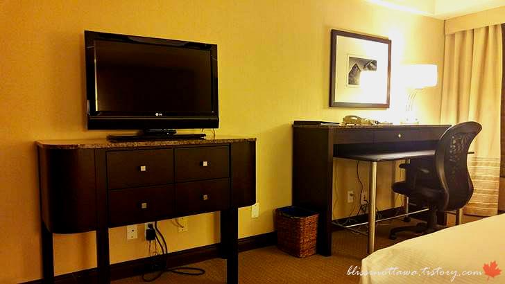호텔 객실입니다