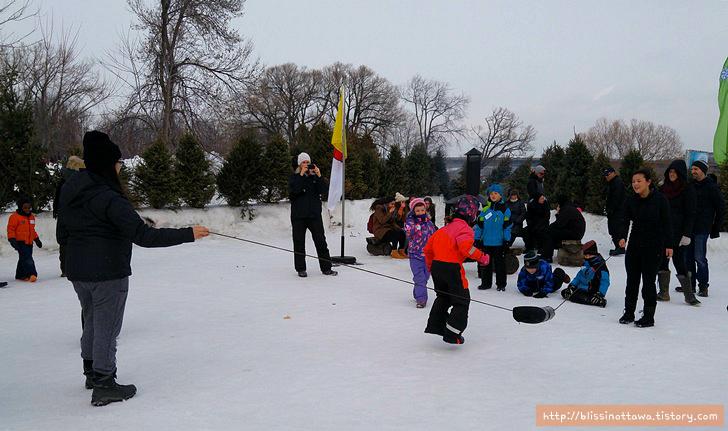 캐나다 겨울 축제 오타와 윈터루드 winterlude 줄넘기