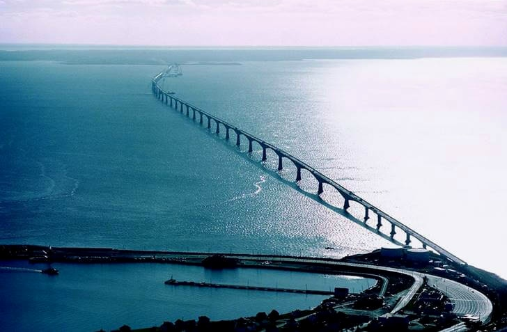 캐나다에서 가장 긴 다리입니다