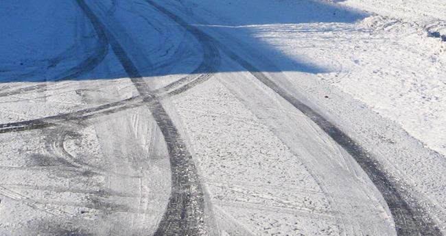 눈길운전, 스노우타이어의 필요성 - 불곰의 자동차상식 AtoZ