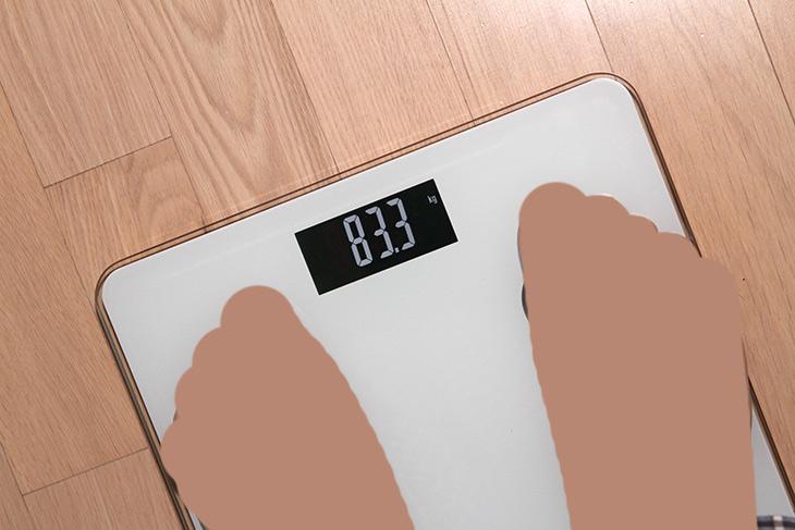 체지방 ,체중계 ,MS-103-1, 에스모도, 스마트, 체중계,IT,IT 제품리뷰,그냥 무게만 나오는것을 썼는데요. 이제는 스마트해져야죠. 체지방 체중계 MS-103-1 에스모도 스마트 체중계를 써 봤습니다. 몸무게를 스마트폰으로 주기적으로 관리할 수 있는데요. 그 뿐만 아니라 체지방 근육량 골량 체수분 BMI 도 관리가 가능 합니다. 체지방 체중계라고 하면 여러가지 기능을 원할텐데요. 스마트폰과 합쳐져서 기능을 좀 더 다양하게 볼 수 있게 한 제품 입니다.
