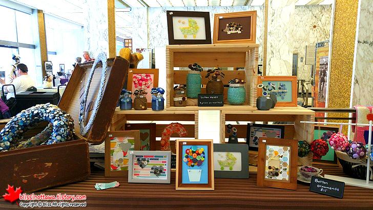 캐나다 오타와 수제품 시장 ; 버튼을 활용한 장식품