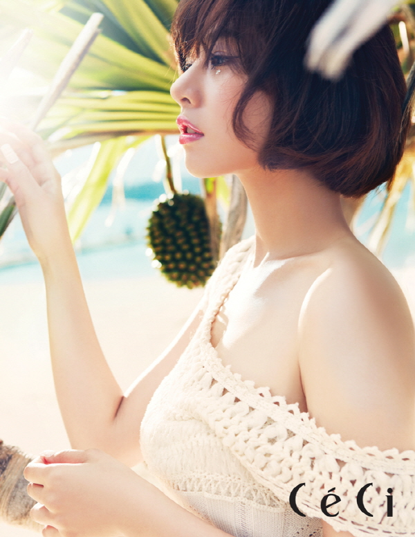 조윤희 Korean popular Actress Cho Youn-Hee's natural beauty and the sea of ​​Okinawa. 2