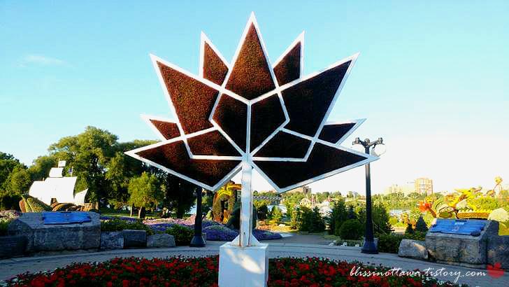 캐나다 건국 150주년 공식 로고입니다