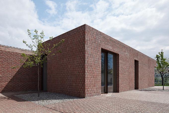 *벽돌 미니멀 주택-[ Jan Proksa ] Brick House in Brick Garden