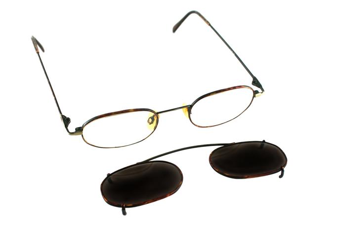 안경테위에 걸쳐서 사용하는 클립온 선글라스