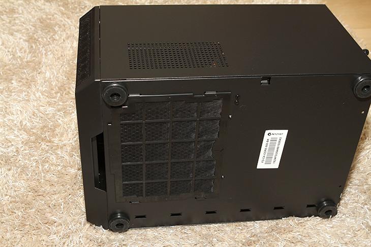 ITX 조립 PC,ITX, 조립, PC, 기가바이트, B150N ,fractal design, core 500,IT,IT 제품리뷰,기가바이트 B150N 피닉스 WiFi,B150N Phoenix WiFI,사이즈가 작으면서도 고성능의 컴퓨터를 만들어보도록 하죠. 제가 사용하는 i7 6700K CPU를 그대로 이용을 할 것입니다. ITX 조립 PC를 만들텐데요. 기가바이트 B150N 피닉스 WiFi 메인보드와 fractal design core 500 케이스를 이용할 것 입니다. 근데 저는 조용한 컴퓨터도 좋아해서 좀 더 저소음을 만들기 위한 팁도 아래에서 소개해보도록 하죠. 이렇게 조립해놓고 서버용도로 써도 좋을듯 하네요. 저는 공인IP를 2개 사용중 인데요. 그래서 실제로 웹사이트를 하나 돌려볼까 생각도 있네요. 물론 좀 더 작은 사이즈의 케이스를 만들기 위해서도 충분히 사용되는 시스템 입니다.