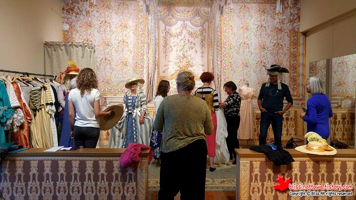 미술관 이벤트 18세기 의상 입기