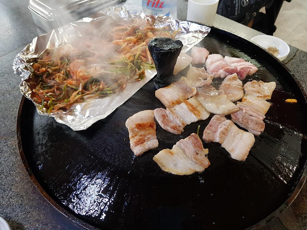 [제주 서귀포 맛집]솥뚜껑 오겹살 웅담식당