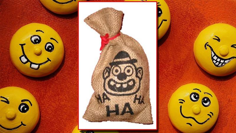 사진: 당시에 발명된 웃음자루. 혹은 웃음가방이라고도 불린다.