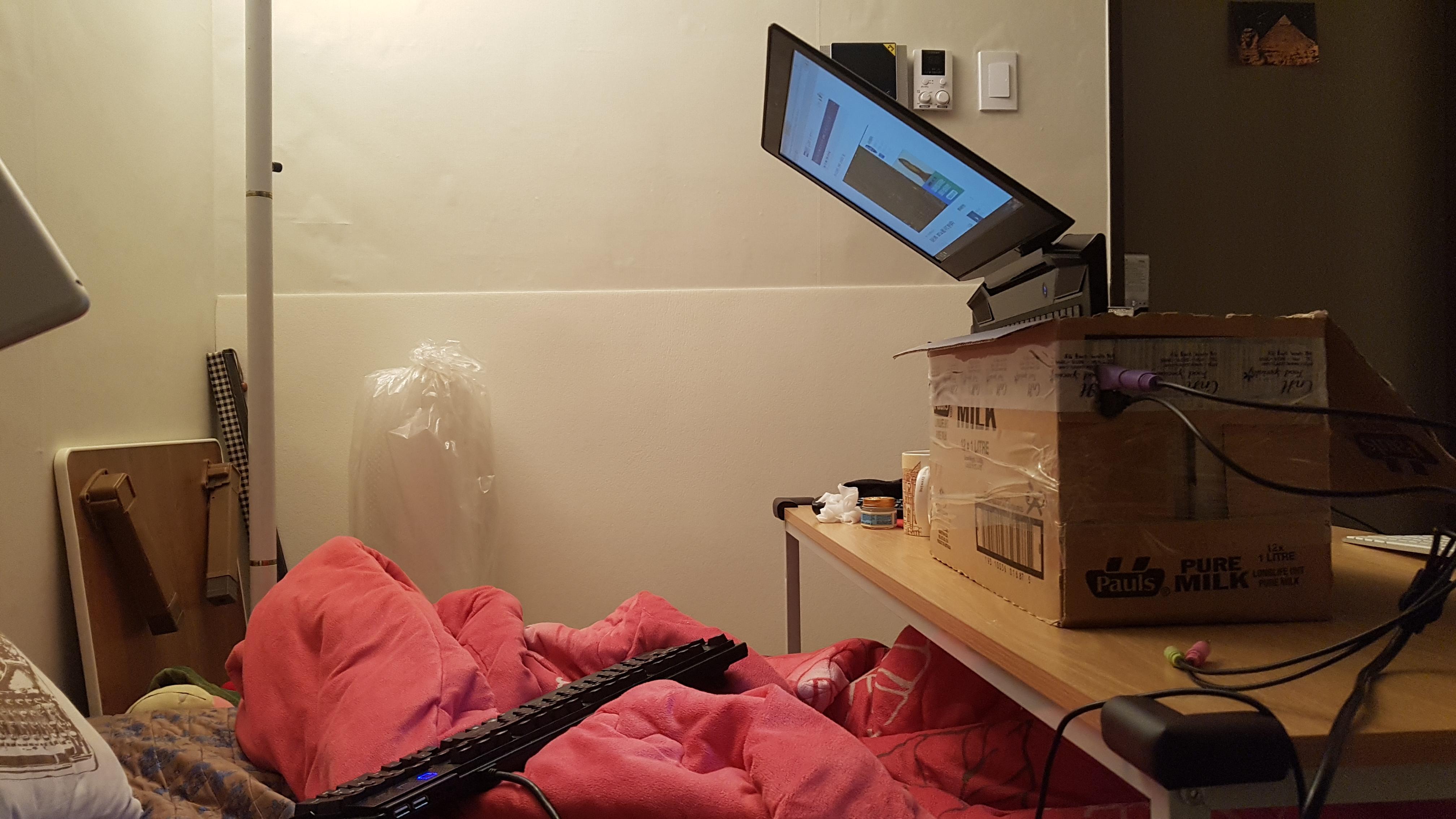 USB 포트, 강철 거치대, 난방, 노트북 거치대, 노트북 거치대 제작, 누워서 하는 노트북 거치대, 누워서 하는 노트북 거치대 제작!!, 박스, 수족냉증, 아크릴, 욕창, 우유박스, 원룸 공개, 정자세, 책, 최하급, 퀄리티, 키보드 마우스
