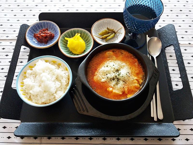 제주도여행에서 집밥 같이 즐기는 편안한 혼밥집 - 어오내하우스