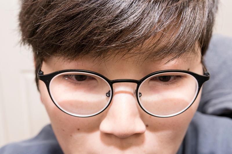 블루라이트 차단하는 니콘 BLUV 안경렌즈 후기