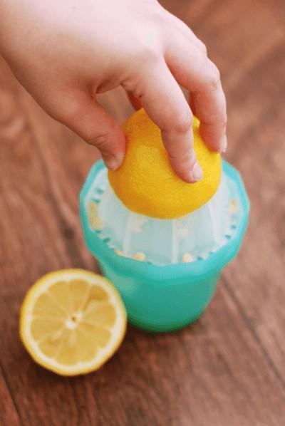 발뒤꿈치 굳은살 제거 레몬활용법