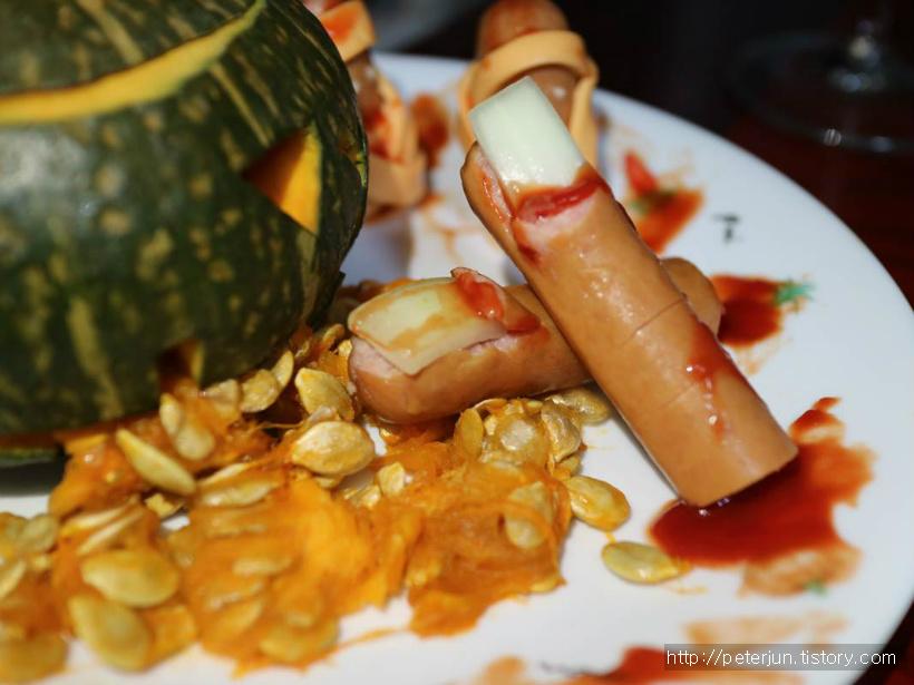 햄으로 만든 사람 손가락 모양